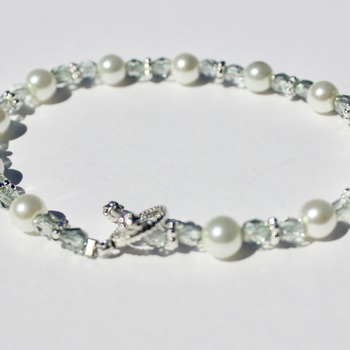 Light Green Czech and Glass Pearl Bead Bracelet