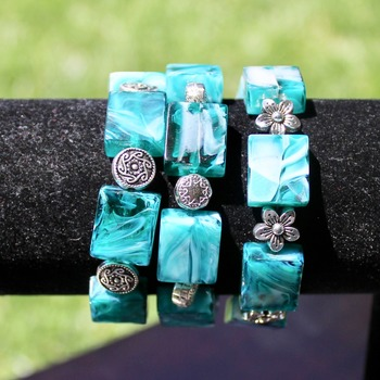 Turquoise and White Bead Bracelet with Flower Accent Beads
