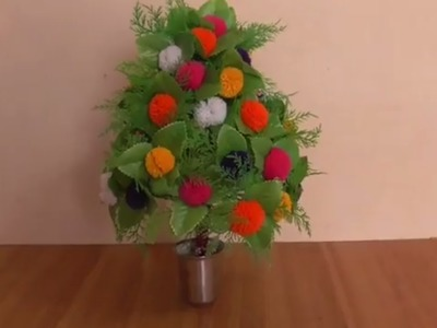 DIY - FLOWER PLANT MAKING FROM WOOLEN AT HOME || HOME DECORATION IDEAS  WITH WOOLEN POM POM