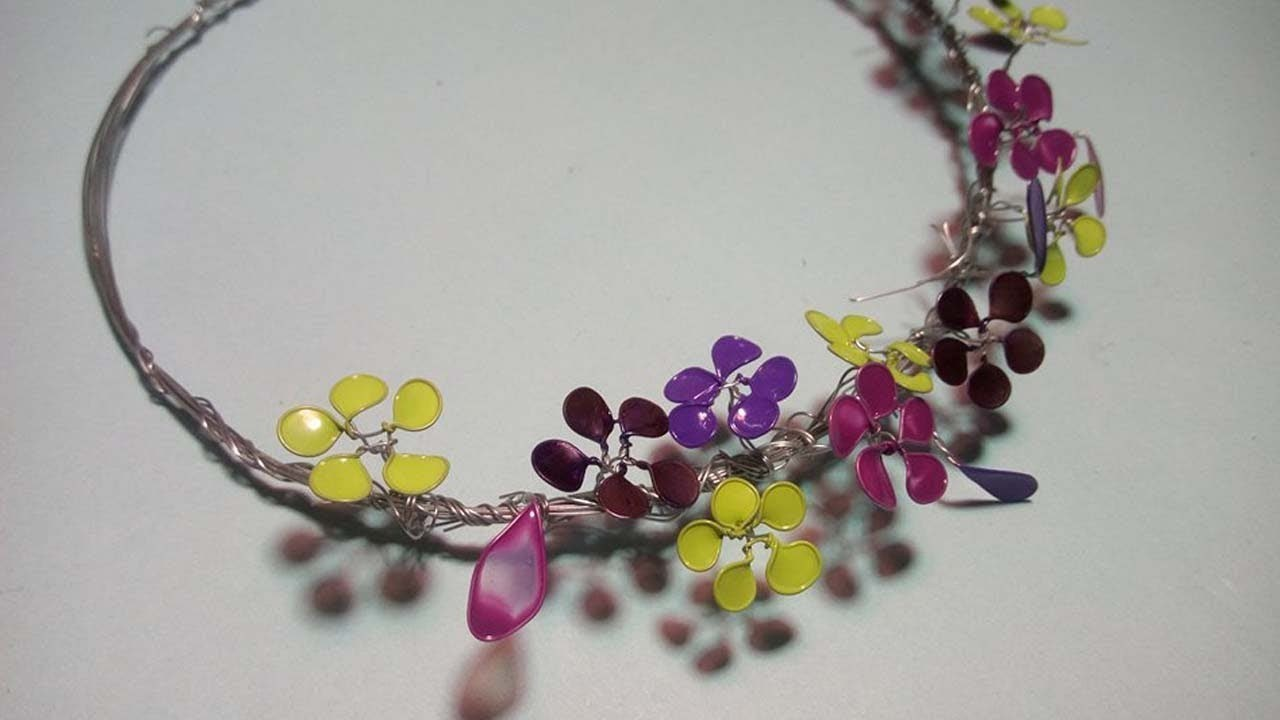 DIY Crafts : How to make a crown easily with wire and nail polish.