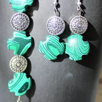 Malachite and Round Accent Bead Bracelet and Earrings Set