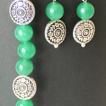 Kelly Green and Round Bead Bracelet and Earrings Set