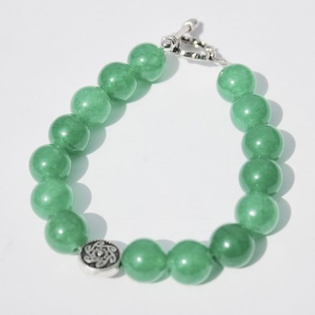 Kelly Green Bracelet with Accent Bead