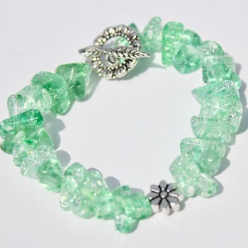 Light Green Stone Chip Bracelet with Flower Accent Bead