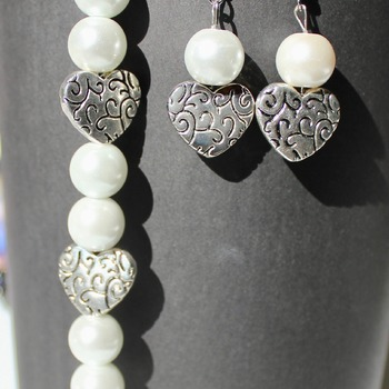 White Glass Pearl and Heart Bracelet and Earrings Set