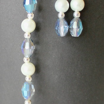 Blue Oval Iridescent and Glass Pearl Bracelet and Earrings Set
