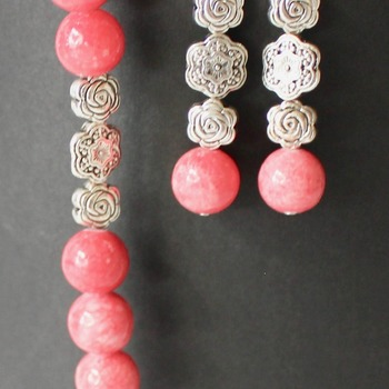 Pink Coral and Flower Bead Bracelet and Earrings Set