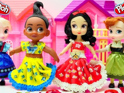 Princess Moana and Snow White trying on fancy dancing dresses! Play doh video for kids
