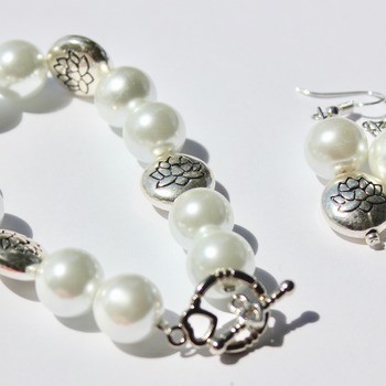 White Glass Pearl and Lotus Beads Bracelet and Earrings Set