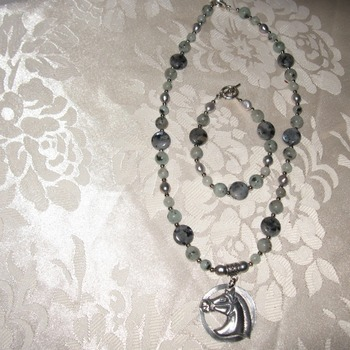 Bumblebeads Brand New Handmade and Original Gemstone Horse Necklace Set