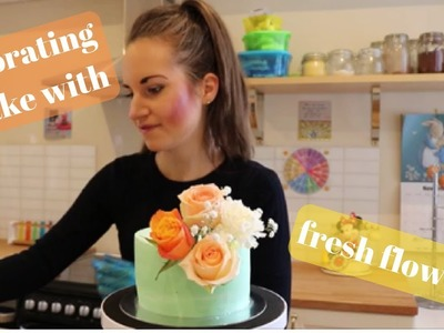 How to decorate a cake with fresh flowers!