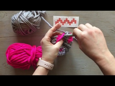 QUICK TIP: How to keep yarn from getting tangled while crocheting with two colors