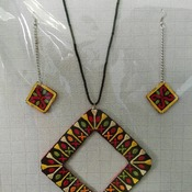 Embroidered jewelry set