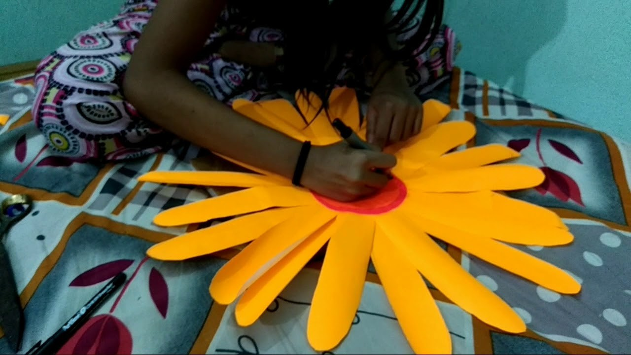 How  to  make  flowers  with  fluorescent  paper