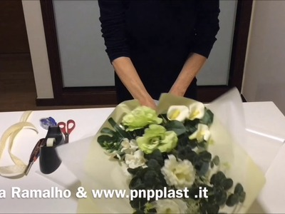 Wrapping flowers with ICE PAPER#wrapflowers