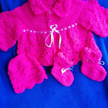 Gorgeous coat, hat and booties set for 3/6 months baby