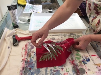 Tutorial on how to make plant prints with paint on fabric