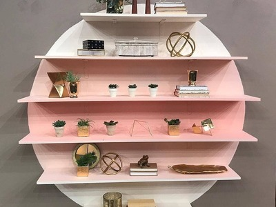 """Genevieve Gorder From TLC's """"Trading Spaces"""" Reboot Shows How to DIY an Ombre Floating Shelf Wall"""